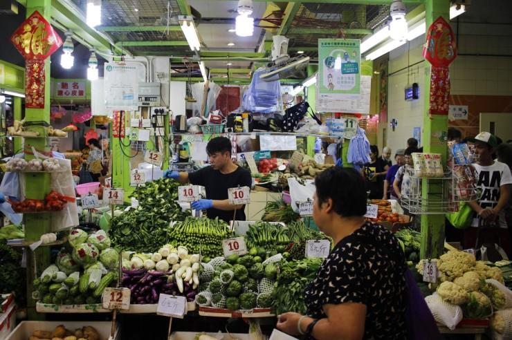 Un marché de légumes à Hong Kong.