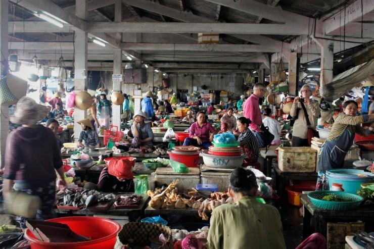 Un marché au Vietnam c'est toujours une expérience unique...